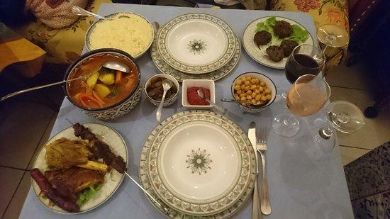Meaux, France: L'Etoile d' Agadir