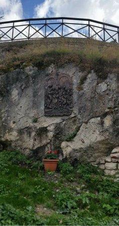 Pizzoferrato, Italy: Accanto alla chiesa