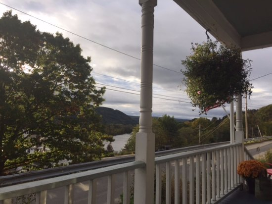 Harvest Barn Inn: View from the front porch