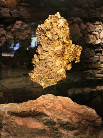 Murphys, แคลิฟอร์เนีย: World's Largest Crystalline Gold Piece