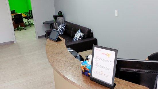 St. Albert, Canada: Front desk and lobby
