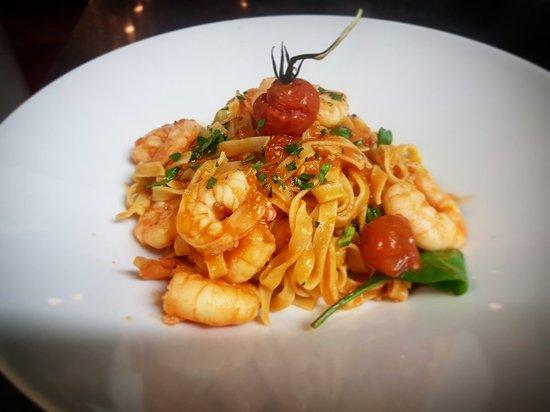 Hythe, UK: La Vista Italian Bar & Restaurant