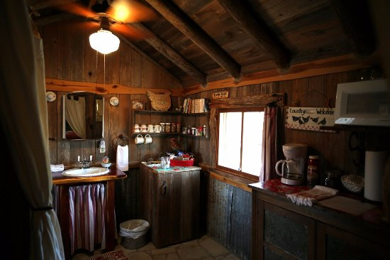 Spicewood, TX: kitchenette