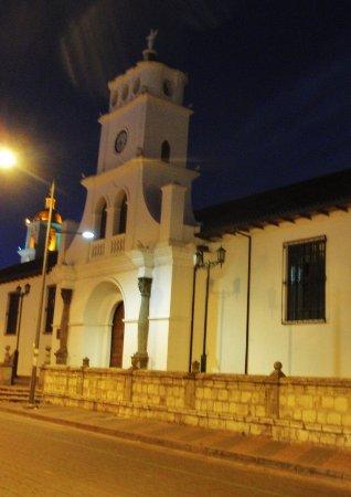 Salcedo, Ecuador: Vista intera con chiesa