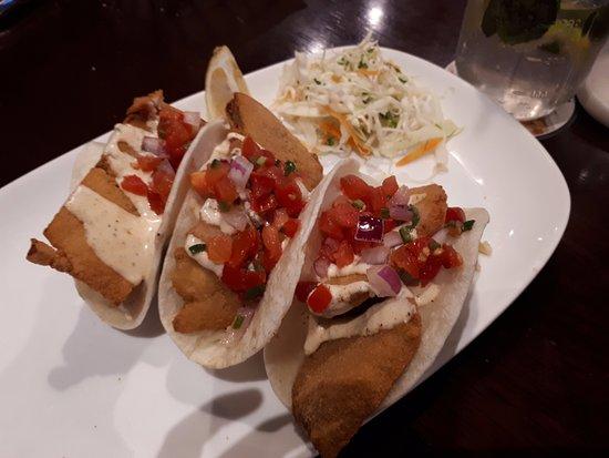 Naucalpan, Mexico: Los tacos de pescado no me gustaron duros y grasosos...parecen nuggets de pollo