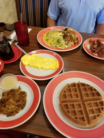Amy's Omelette House: perfect breakfast!