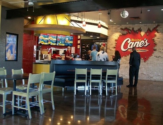 Harwood Heights, IL: spacious interior. lotsa tables, service is speedy, friendly