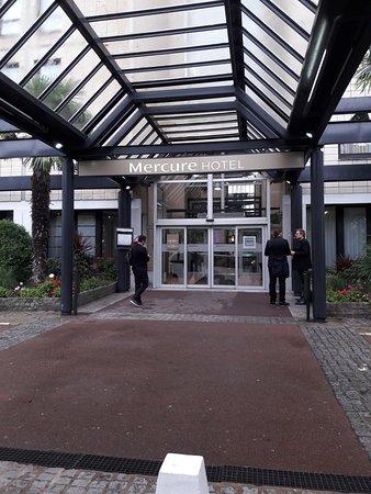 Mercure paris porte de versailles expo hotel vanves - Pizzeria porte de versailles ...