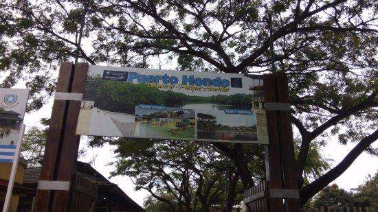 Balneario y Centro Recreacional Puerto Hondo