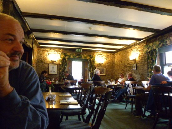 Thornhill, UK: The warm, pubby, dining room