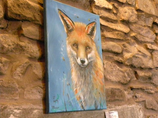 Thornhill, UK: They display local art, we wanted to take this guy home with us, but my suitcase is a dangerous