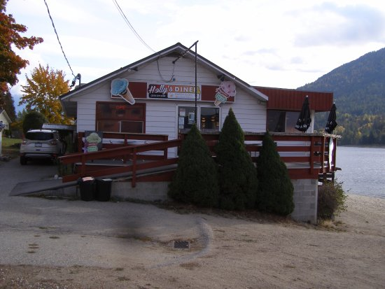 Holly's Diner in Balfour as it looked in October 2017.