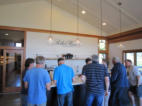 Salem, OR: Ordering wine flights