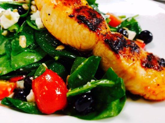Gainesville, VA: Salmon Spinach Salad