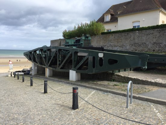 Arromanches-les-Bains, Fransa: Remains Mulberry Harbour