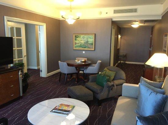 JW Marriott Hotel Surabaya Photo