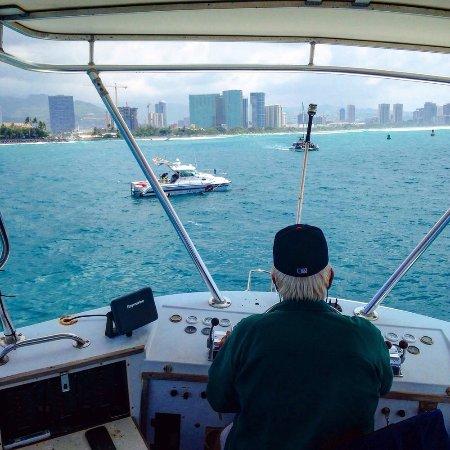 Dive Oahu: Our Boat Captain