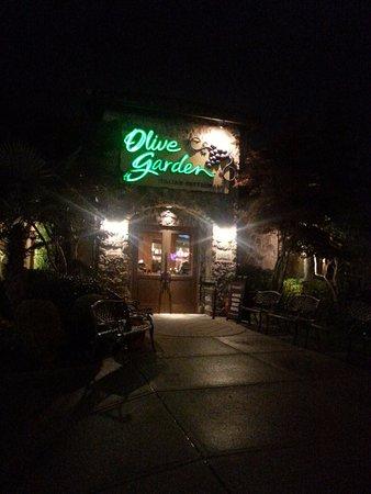 Langley City, Kanada: Front door, Olive Garden, Langley, BC