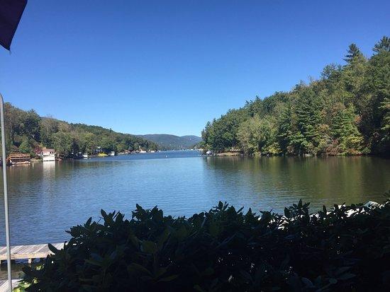 Larkin's On The Lake: photo2.jpg