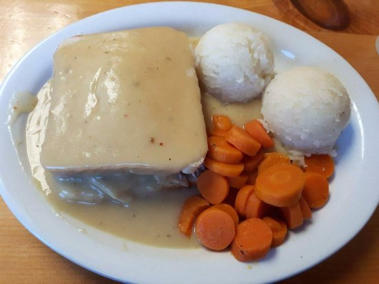 Chatham, Canada: Hot Turkey Sandwich with Mashed Potatoes and Carrots