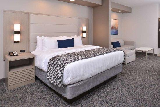 Katy, TX: 1 King Suite