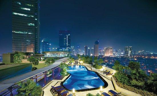 Hotel Indonesia Kempinski: Kempinski Jakarta_Swimming Pool a_2014
