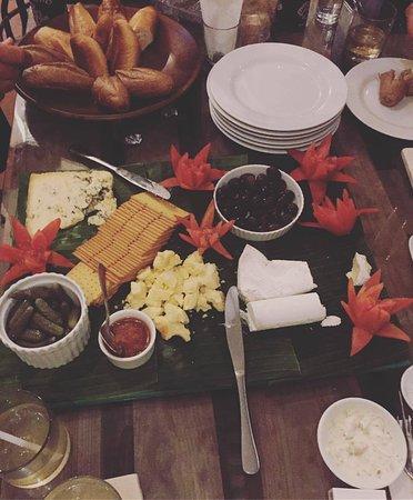 Padangbai, Endonezya: Cheese platters.