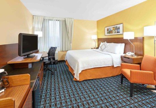 Lombard, Илинойс: Queen Guest Room