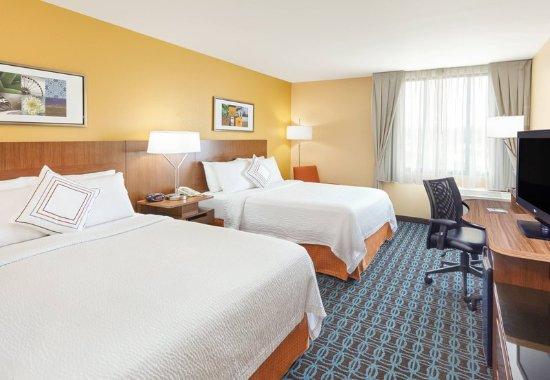Lombard, Илинойс: Queen/Queen Guest Room