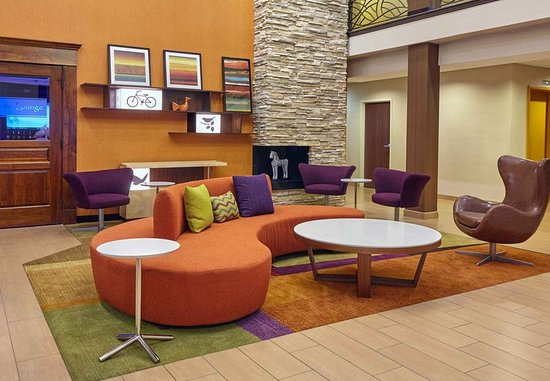 Lombard, IL: Lobby Seating Area
