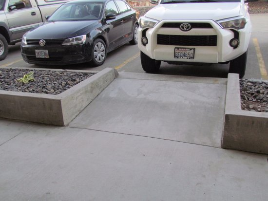 Mountain Home, ID: Parking blocks access to rooms making luggage transfer a big problem.
