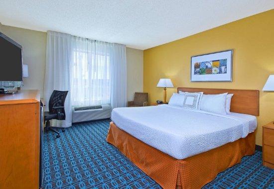 East Ridge, TN: King Guest Room