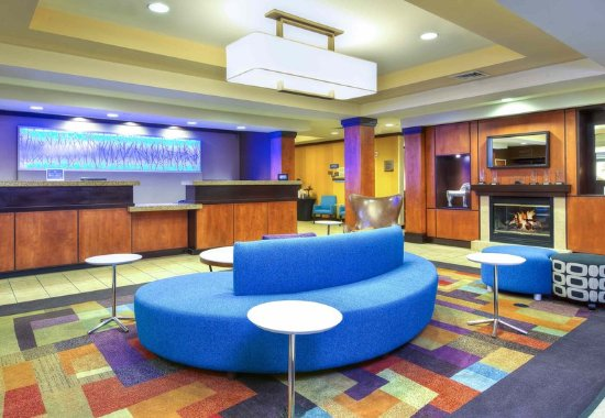 Fairfield Inn & Suites Chattanooga South/East Ridge: Front Desk