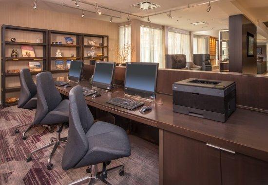 Wayne, Pensilvanya: Business Library