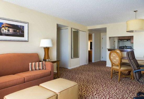 Towson University Marriott Conference Hotel: Spread out and get comfortable in your Suite Living Area