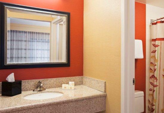 Stoughton, MA: Guest Bathroom