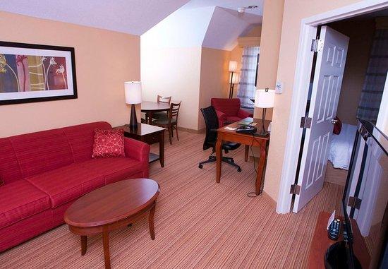 Middlebury, VT: King Suite Living Room