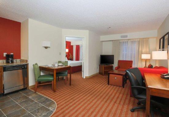 Duluth, GA: One-Bedroom Suite Living Area