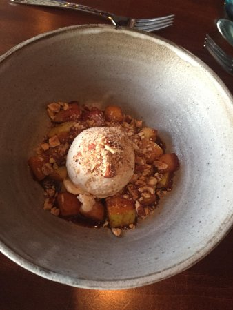 Lopez Island, WA: Ursa Minor: hay ice cream, apple, caramel, hazelnuts
