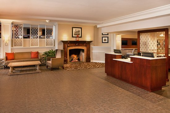 Frazer, PA: Lobby Overview