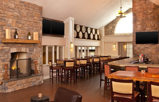 Frazer, Пенсильвания: Lounge