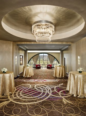Needham, MA: Grand Ballroom Foyer