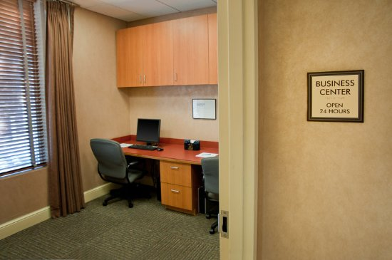 Fairview Heights, IL: Business Center