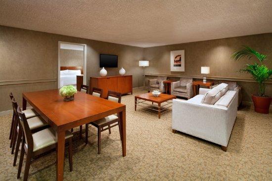 Милбрэй, Калифорния: Executive Suite