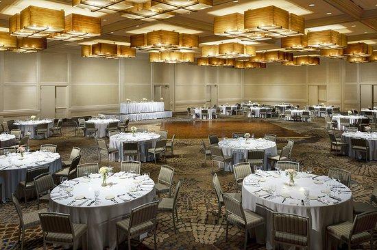 Itasca, IL: Grand Ballroom – Banquet Setup