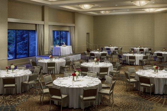 Itasca, IL: Abricot – Banquet Setup