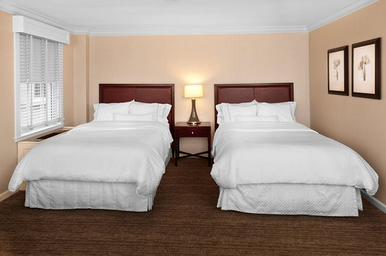 Morristown, NJ: Traditional Two Double Beds