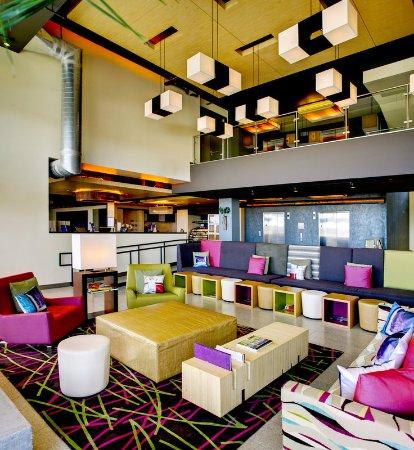 Leawood, KS: Re:mix(SM) lounge