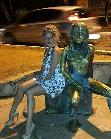 Brigitte Bardot Statue : IMG_20171008_182742_219_large.jpg