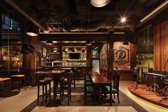Four Points By Sheraton Bangkok, Sukhumvit 15: The Drunken Leprechaun